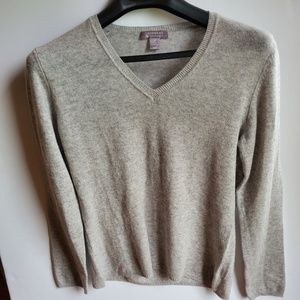Charter Club 100% cashmere sweater grey